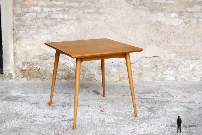 Table_repas_vintage_carre_chene_massif_doree_teck_mobilier_creation_sur_mesure_design_annee_60_bois_france_made_gentlemen_designers_strasbourg_alsace_francais_lyon_paris_ecologique_02