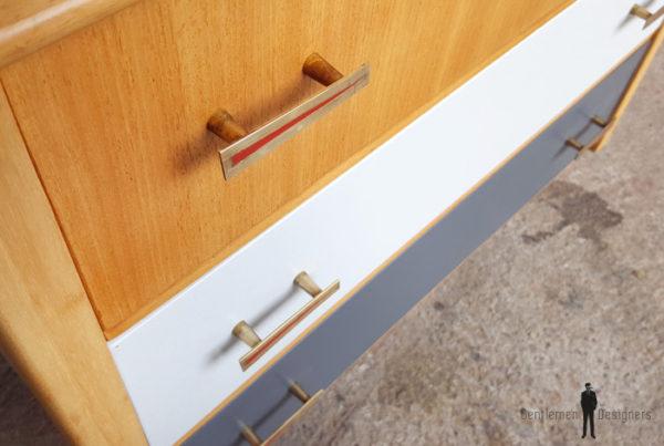 Commode vintage 3 tiroirs, gris, bois, pieds compas gentlemen designers