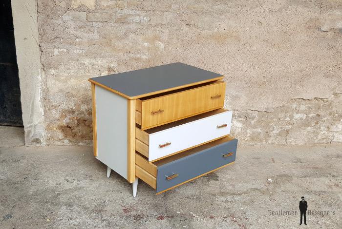 commode vintage 3 tiroirs gris bois pieds compas gentlemen designers - Commode Vintage Pieds Compas