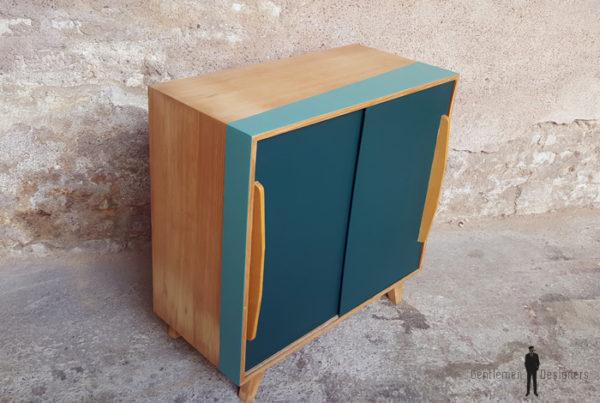 GENTLEMEN DESIGNERS // Meuble vintage en bois portes coulissantes bleu canard