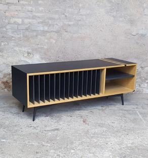 Meuble vinyle esprit vintage graphique, chêne clair, noir Gentlemen Designers