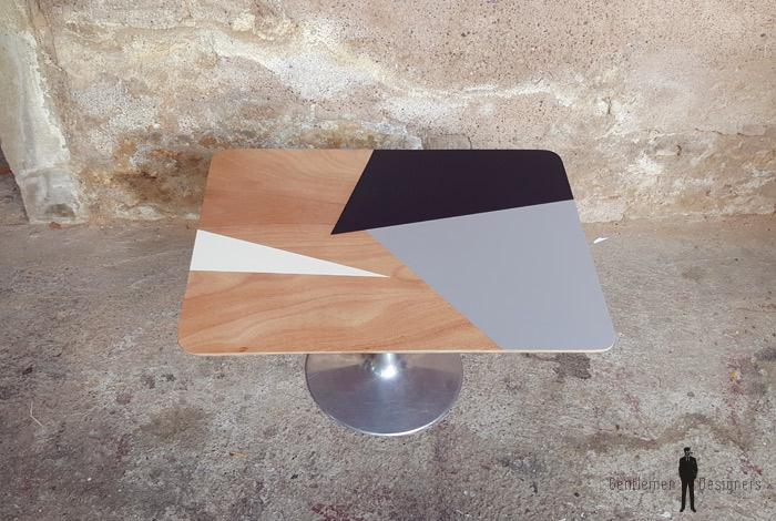 Table basse pied tulipe, graphique, gris, blanc, bois Gentlemen Designers