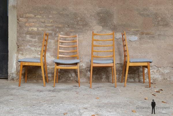 GENTLEMEN DESIGNERS 4 chaises vintage dossier à barreaux, bois, tissu gris Kvadrat