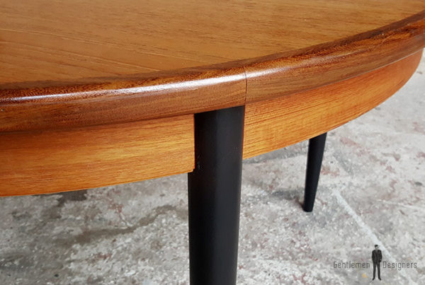 table_manger_ronde_pieds_noir_teck_vintage_unique_original_gentlemen_designers_strasbourg_paris_alsace_handschuheim_bas-rhin_france-(4)