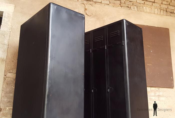 Armoire trois portes, vestiaire, rangement en métal, style indus