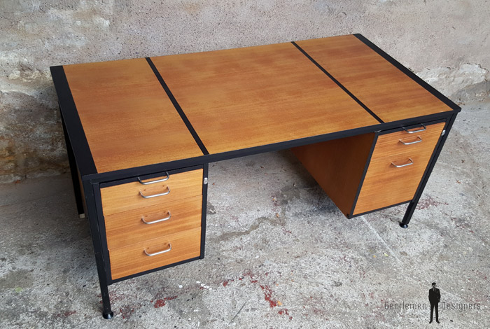 Grand bureau vintage graphique avec tiroirs en bois, teck