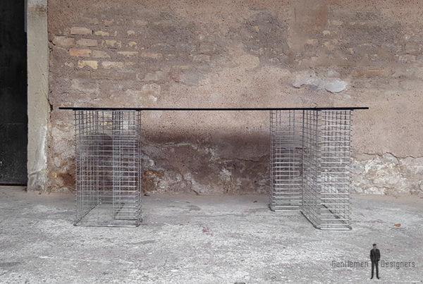 Bureau vintage, plateau verre fumé noir, pied métal