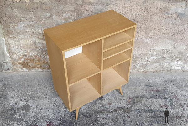 meuble_rangement_fond_blanc_modulable_vintage_sur_mesure_creation_design_annee_50_60_fabriquer_france_made_in_gentlemen_designers_strasbourg_alsace_francais-(5)