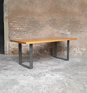 Table_chene_massif_pied_acier_brut_dore_vintage_bois_retro_design_annee_50_60_70_unique_original_gentlemen_designers_strasbourg_paris_alsace_handschuheim_bas-rhin_france_vignette