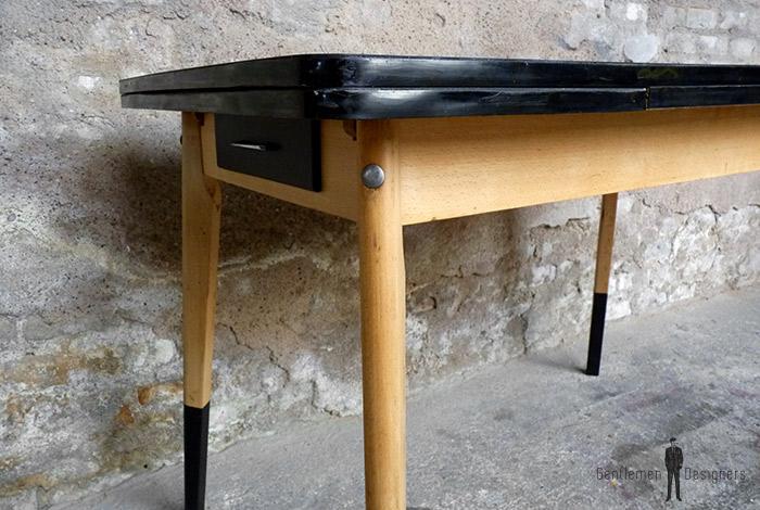 table_noir_stratifie_hetre_dore_vintage_bois_retro_design_annee_50_60_70_unique_original_gentlemen_designers_strasbourg_paris_alsace_handschuheim_bas-rhin_france (1)