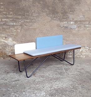 Banc_chene_tissu_bleu_blanc_gris_banquette_mobilier_vintage_sur_mesure_creation_design_annee_50_60_fabriquer_france_made_in_gentlemen_designers_strasbourg_alsace_francais_vignette