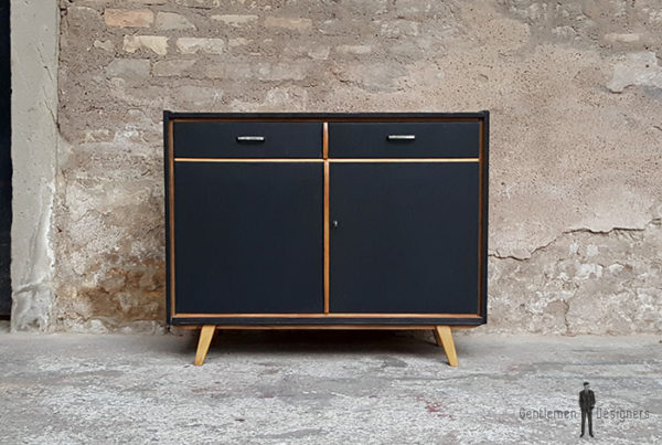 Meuble_noyer_2_porte_2_tiroirs_vintage_unique_original_gentlemen_designers_strasbourg_paris_alsace_handschuheim_bas-rhin_france-(11)