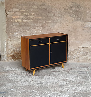 Meuble_noyer_2_porte_2_tiroirs_vintage_unique_original_gentlemen_designers_strasbourg_paris_alsace_handschuheim_bas-rhin_france-vignette