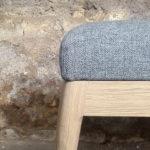 banc_tissu_kvadrat_gris_chene_mobilier_vintage_sur_mesure_creation_design_annee_50_60_fabriquer_france_made_in_gentlemen_designers_strasbourg_alsace_francais-(4)