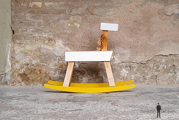 cheval_bascule_jaune_gris_bois_clair_vintage_tiroir_gentlemen_designers_strasbourg_alsace_paris_lyon-(2)