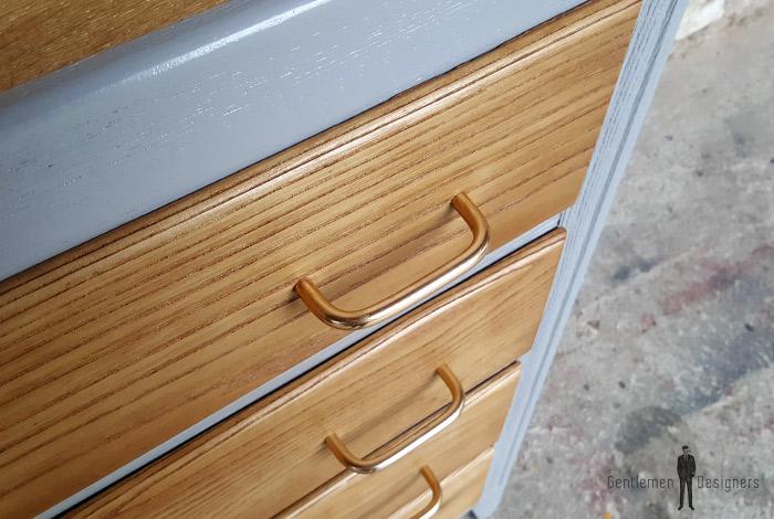 9402ce66a754e0 Commode vintage grise, 4 tiroirs chêne, pied compas