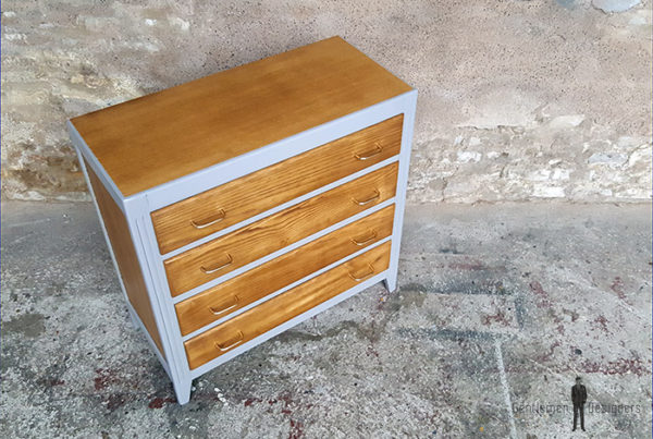 commode-vintage-grise-4-tiroirs-chene-pied-compas