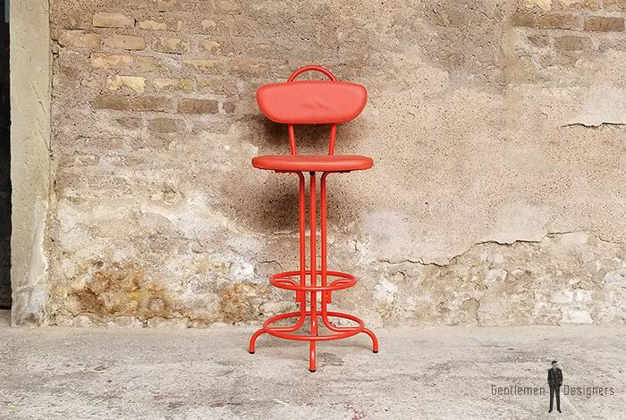 chaise_rouge_tabouret_bar_monochrome_metal_sky_sur_mesure_vintage_unique_original_gentlemen_designers_strasbourg_paris_alsace_handschuheim_bas-rhin_france-(1)