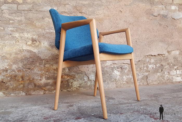 fauteuil scandinave vintage tissu bleu bois clair vin fau 002. Black Bedroom Furniture Sets. Home Design Ideas