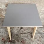 table_carre_grise_pieds_bois_sur_mesure_vintage_unique_original_gentlemen_designers_strasbourg_paris_alsace_handschuheim_bas-rhin_france-(1)