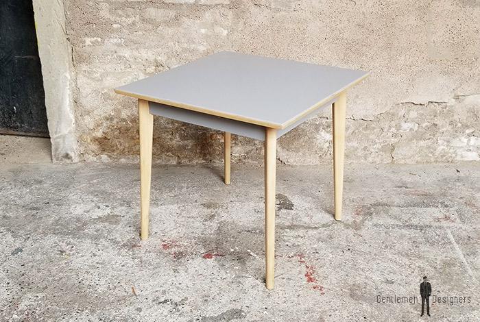 table_carre_grise_pieds_bois_sur_mesure_vintage_unique_original_gentlemen_designers_strasbourg_paris_alsace_handschuheim_bas-rhin_france-(2)
