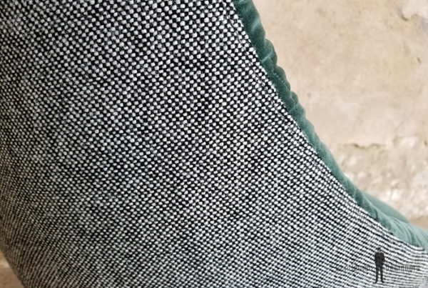 Fauteuil_tissus_vert_gris_texture_volume_pieds_metal_sur_mesure_vintage_unique_original_gentlemen_designers_strasbourg_paris_alsace_handschuheim_bas-rhin_france-(2)