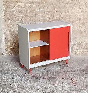 Meuble_appoint_gris_porte_rouge_verre_sur_mesure_vintage_unique_original_gentlemen_designers_strasbourg_paris_alsace_handschuheim_bas-rhin_france-vignette