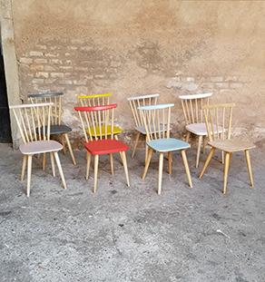 lot_8_chaises_multicolor_chene_bleu_rouge_jaune_gris_rose_barreaux_sur_mesure_vintage_gentlemen_designers_strasbourg_paris_alsace_handschuheim_bas-rhin_france-vignette