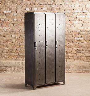 armoire de vestiaire metallique industrielle 3 portes avec etageres de rangement